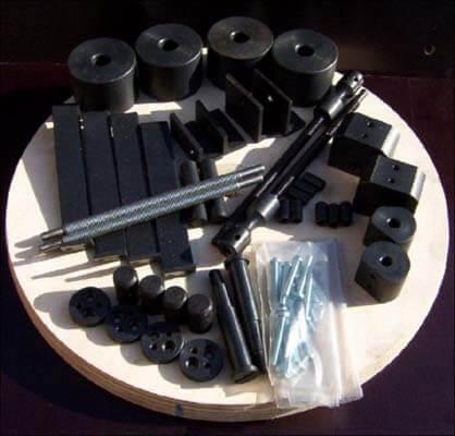 Комплект деталей для сборки четырехкулачкового патрона